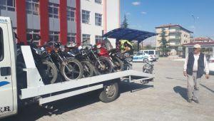 BOLVADİN'DE MOTOSİKLET VE OTOMOBİL DENETİMLERİ