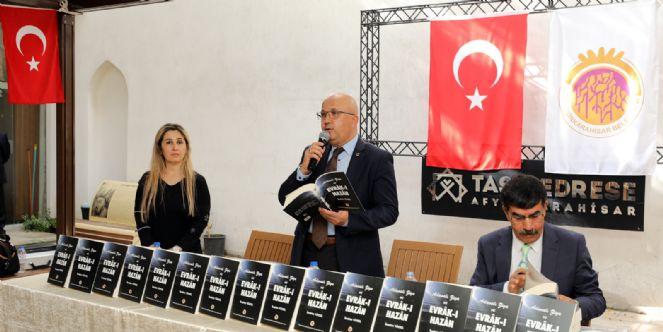 """""""ADANALI ZİYA VE EVRÂK-I HAZÂN"""" YAYINLANDI"""