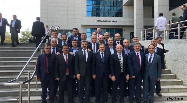 AK PARTİ İL BAŞKANI SEZEN 18 İLÇE BAŞKANI İLE ANKARA'YA ÇIKARMA YAPTI