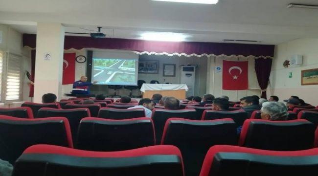 SANDIKLI'DA SERVİS ŞÖFÖRLERİNE SEMİNER
