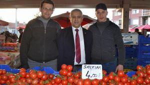 SEMT PAZARINDA MEHMET ZEYBEK'E BÜYÜK İLGİ
