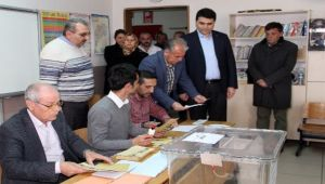 DEMOKRAT PARTİ GENEL BAŞKANI GÜLTEKİN UYSAL, OYUNU MEMLEKETİ AFYON'DA KULLANDI