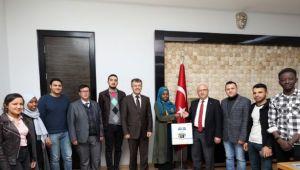 KARAHİSAR ULUSLARARASI ÖĞRENCİ DERNEĞİ'NDEN BAŞKAN ÇOBAN'A ZİYARET