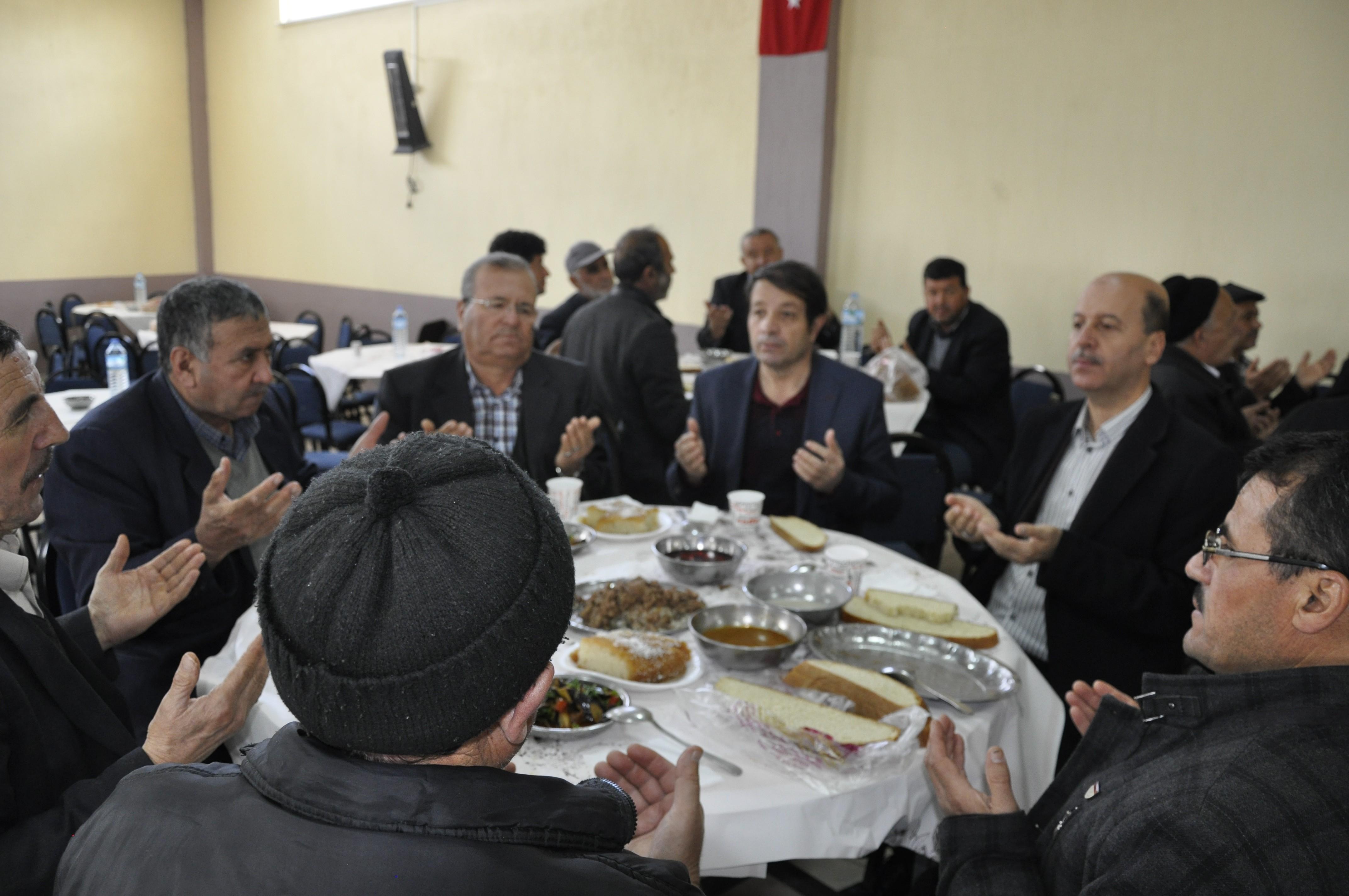 BAŞKAN BOZKURT, MUHTAR ÇELİK'İN MEVLİD-İ ŞERİF PROGRAMINA KATILDI