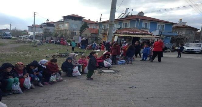 ŞUHUT'TA KANDİLE EN ÇOK ÇOCUKLAR SEVİNİYOR!..
