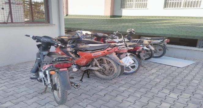 MOTOSİKLET HIRSIZLARI KISA SÜRÜDE YAKALANDI