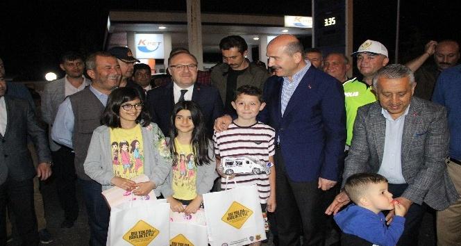 BAKAN SOYLU, AFYON'DA TRAFİK DENETİMLERİNE KATILDI