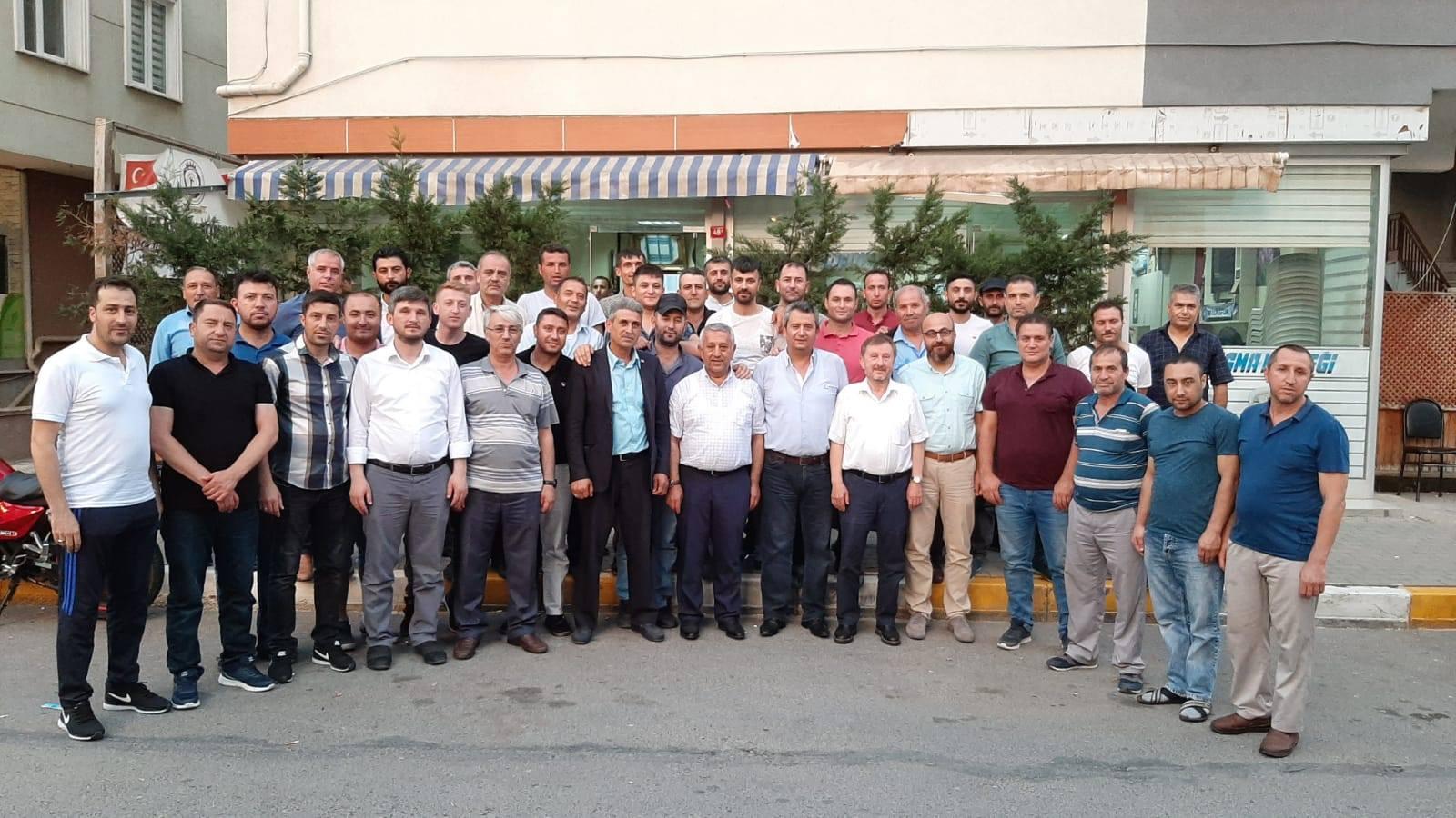 BAŞKAN ZEYBEK, İSTANBUL'DAKİ HEMŞEHRİLERİYLE BULUŞTU