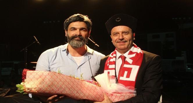UĞUR IŞILAK, ŞUHUT'TA KONSER VERDİ