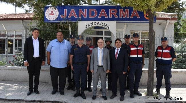 VALİ TUTULMAZ'DAN KARAADİLLİ BELDE JANDARMA KOMUTANLIĞI'NA ZİYARET