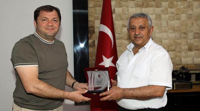 TSYD'DEN BELEDİYE BAŞKANI ZEYBEK'E ZİYARET