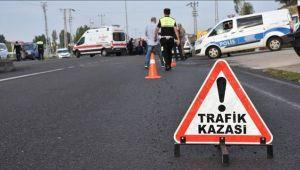 ÇAY'DA TRAFİK KAZASI: 1'İ AĞIR 6 YARALI