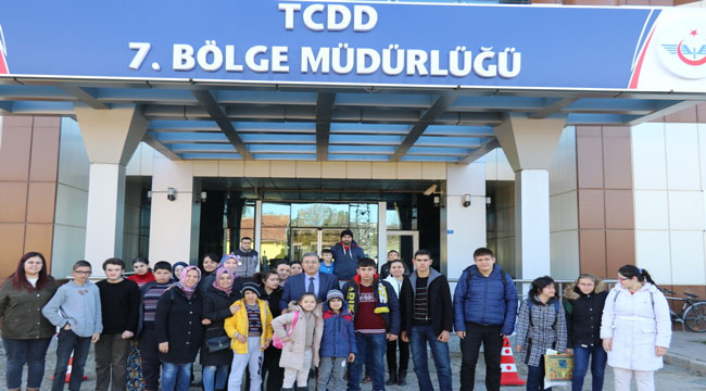 TCDD' DEN ÖZEL ÖĞRENCİLERE DEMİRYOLU TANITIM GEZİSİ