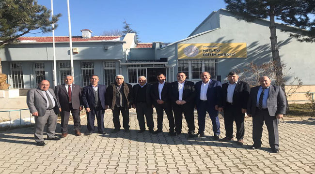 MHP'Lİ BAŞKANLARDAN KAYMAKAM TOPALOĞLU'NA ZİYARET