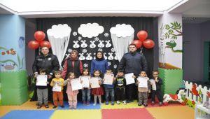 ŞUHUT'TA ANAOKULU ÖĞRENCİLERİNİN KARNE SEVİNCİ
