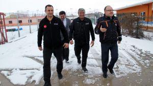 VALİ TUTULMAZ AFAD'I ZİYARET ETTİ