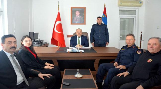 VALİ TUTULMAZ SİNANPAŞA'DA TEMASLARDA BULUNDU