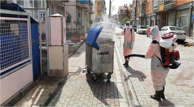 AFYONKARAHİSAR'DA ÇÖP KONTEYNERLERİ DEZENFEKTE EDİLİYOR