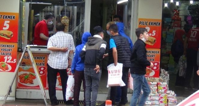 GENÇLER SERBEST SAATTE ARKADAŞLARIYLA BİRARAYA GELDİ