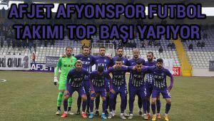 AFJET AFYONSPOR FUTBOL TAKIMI TOP BAŞI YAPIYOR