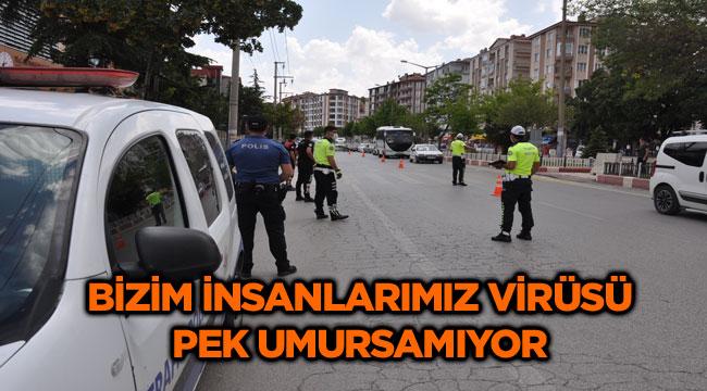 AFYONKARAHİSAR'DA POLİS SOKAKTA 'KORONA' DENETİMİ YAPTI