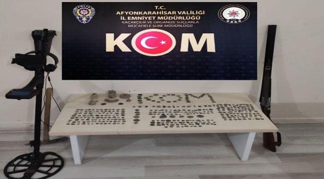 MEZAR TAŞINI DAHİ ÇALAN DEFİNE AVCILARINA POLİS OPERASYONU