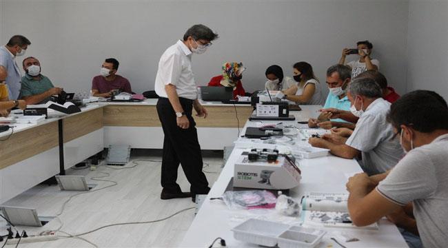 AFYONKARAHİSAR'DA ROBOTİK KODLAMA EĞİTİMLERİ VERİLİYOR