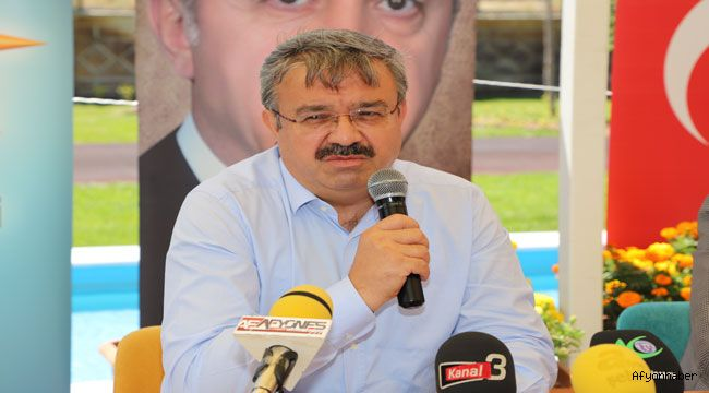 """""""AK PARTİ VEKİLLERİ BİRİLERİ GİBİ LAF YAPMIYOR İCRAAT YAPIYOR"""""""