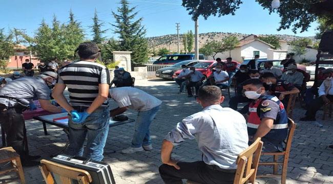 BAYAT'TA ORKÖY PROJESİ KAPSAMINDA 15 KÖYLÜYE 30 İNEK VERİLECEK