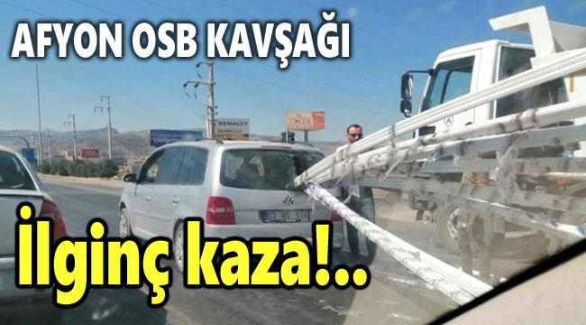 KIRMIZI IŞIKTA DURAN ARACIN ARKA CAMINDAN PVC PENCERE GİRDİ!..