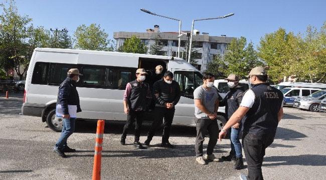 FETÖ OPERASYONUNDA YAKALANANLARDAN 3'Ü ADLİYEYE SEVK EDİLDİ