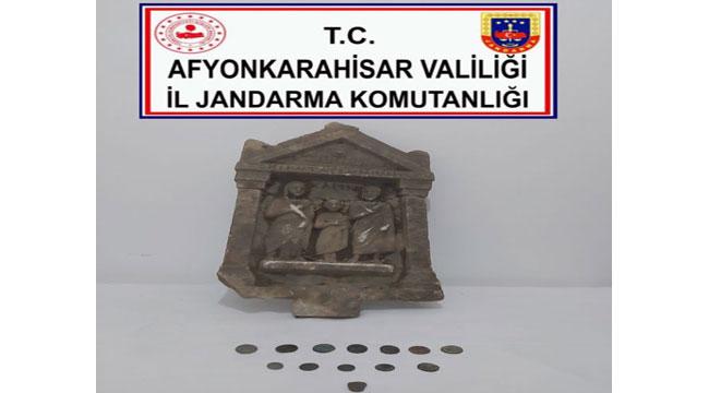 AFYON'DA TARİHİ ESER KAÇAKÇILARI YAKALANDI
