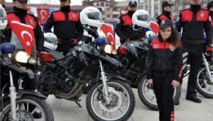 MOTOSİKLETLİ POLİS TİMLERİ DENETİMLERE HIZ VERDİ!..
