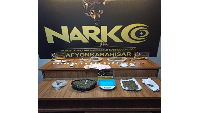 Afyon'da uyuşturucu operasyonunda 3 kişi gözaltına alındı