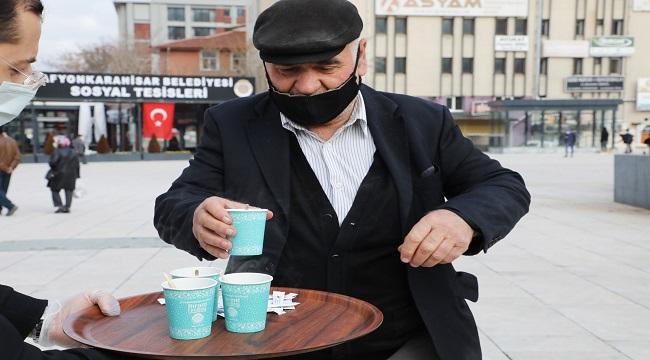 Dünya Çay Gününde Zafer Meydanında çay keyfi!..