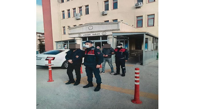 İş yerinden asker şapkası çalan iki kişi tutuklandı