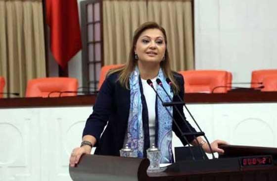 Meclis'te iki kadın vekil atıştı!.. | Video haber