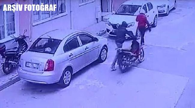 Yeşilyol'da işyeri önünden motosiklet çalan iki çocuk tutuklandı