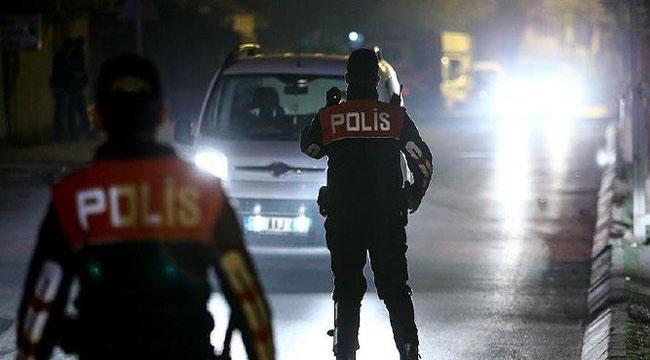 Afyon'da otomobilden para çaldıkları iddia edilen 4 şüpheli yakalandı