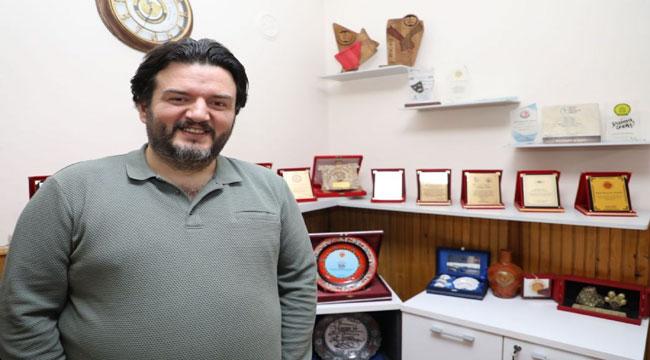 Afyon şehir tiyatrosu oyuncularının büyük başarısı