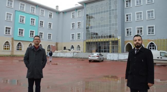 Atatürk İlkokulunda kampanya: Bir sınıf da sen donat