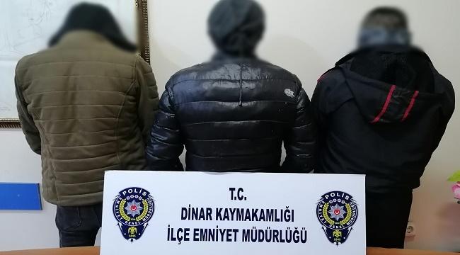 Dinar'da Polisten kaçan 3 kişi uyuşturucuyla birlikte yakalandı