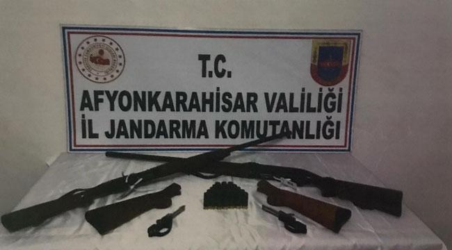 Köylülere silah satan iki kişi jandarma tarafından yakalandı