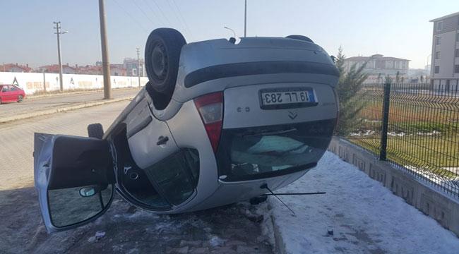 Afyon'da feci kaza, otomobil takla attı
