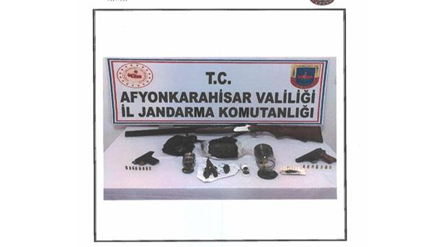 Afyon'da kaçakçılık operasyonu: 2 gözaltı