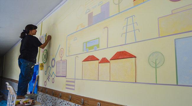 Afyonkarahisarlı ressam duvarları sanat eserine dönüştürüyor