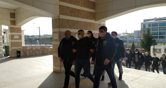 Arkadaşını yanlışlıkla vuran genç tutuklandı