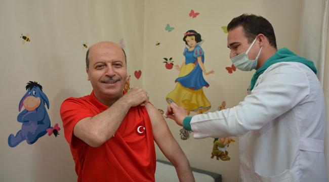 Başkan Bozkurt Covid-19 aşısı oldu