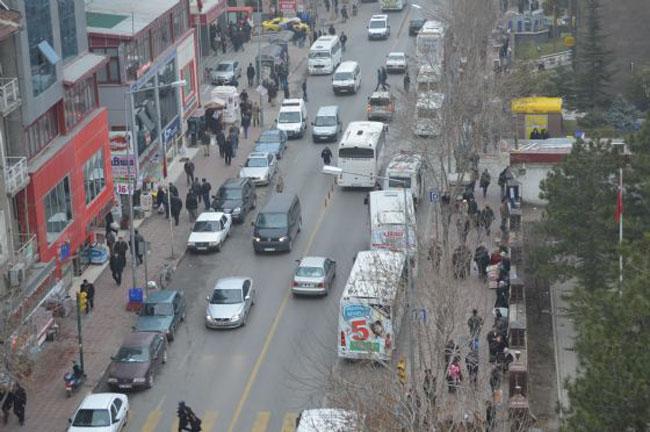 Bir okuyucumuzun iletisi: Afyon'da trafik sorunu var mı?..