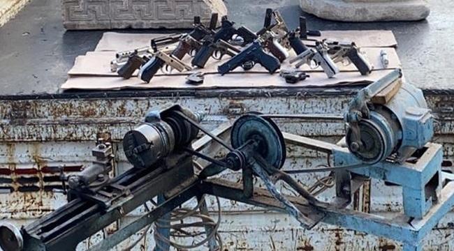 Bolvadin: Yasa dışı silah ticareti yapan bir kişi yakalandı